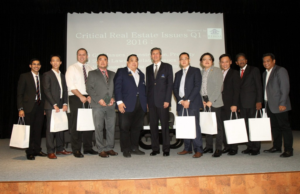 REHDA Institute chairman Datuk Jeffrey Ng Tiong Lip (six from left) and REHDA Malaysia vice president Datuk Anthony Cho (fifth from left) posing with the speakers for Critical Real Estate Issues Q1 2016 seminar. For Star Property. IZZRAFIQ ALIAS / The Star. May 19, 2016.