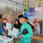 Chef Zam visits TimurBay and celebrates Raya with our guests and participating in games and fun activities.