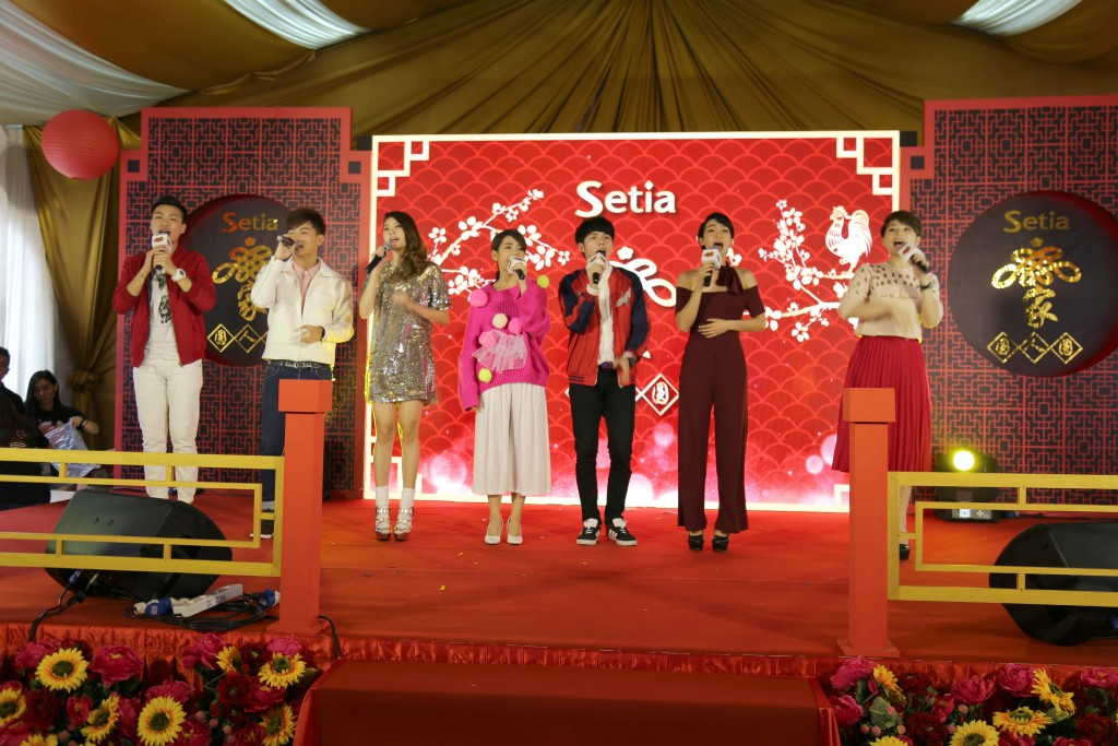 All Astro artistes performing on stage as the grand finale of the event in Penang.