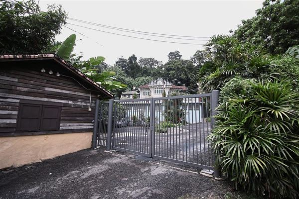 The site behind Old Malaya in Jalan Raja Chulan is owned by different individuals and unlike what is seen in this photo, most of the bungalows here are left to rot for decades.
