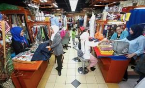 Medan Mara in Jalan Raja Laut has small tailoring businesses specialising in custom-made outfits. — Photos: IZZRAFIQ ALIAS, ONG SOON HIN and AZLINA ABDULLAH/The Star