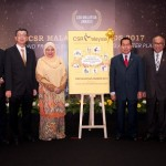 LBS Bina Group's deeply rooted values are the driving force behind its CSR core pillars. (Third from left) LBS Bina Group Berhad group managing director Tan Sri Lim Hock San with (fourth from left) Women, Family and Community Development minister Datuk Seri Rohani Abdul Karim at the CSR Malaysia Awards 2017.