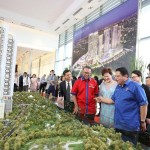 (From left) Hong, Datuk Bandar Kuala Lumpur Datuk Seri Mohd Amin Nordin, Malton Bhd executive director Puan Sri Cindy Lim and Adnan checking out a replica of the Park 2, Pavilion Bukit Jalil.