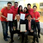 Mah Sing group managing director Tan Sri Datuk Sri Leong Hoy Kum, (seated – 1st from left), chief executive officer Datuk Ho Hon Sang, (seated – 2nd from left) and group strategy & operations director Lionel Leong (2nd row, first from right) holding 3 award trophies from QLASSIC Day 2017 with team Mah Sing.