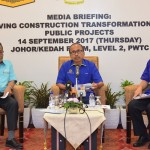 (Left to right) CIDB Chief Executive Datuk Ahmad Asri, JKR Director-General Datuk Roslan Md Taha, and JKR Deputy Director-General Kamaluddin Abdul Rashid during the Question and Answer session.