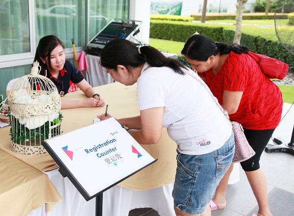 Potential home owners registering to view the new show unit of Mercury @Setia Eco Cascadia.