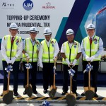 Topping_up_ceremony_First_to_reach_the_top_at_TRX