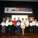 (eighth from left) Senior general manager information and technology and advisor for LBSClub, Puan Sri Karen Lim representing LBS and (ninth from left) MGB Berhad, executive director & CEO, Datuk Richard Lim with the event sponsors during the launch of the 35th Kiwanis Treasure Hunt.