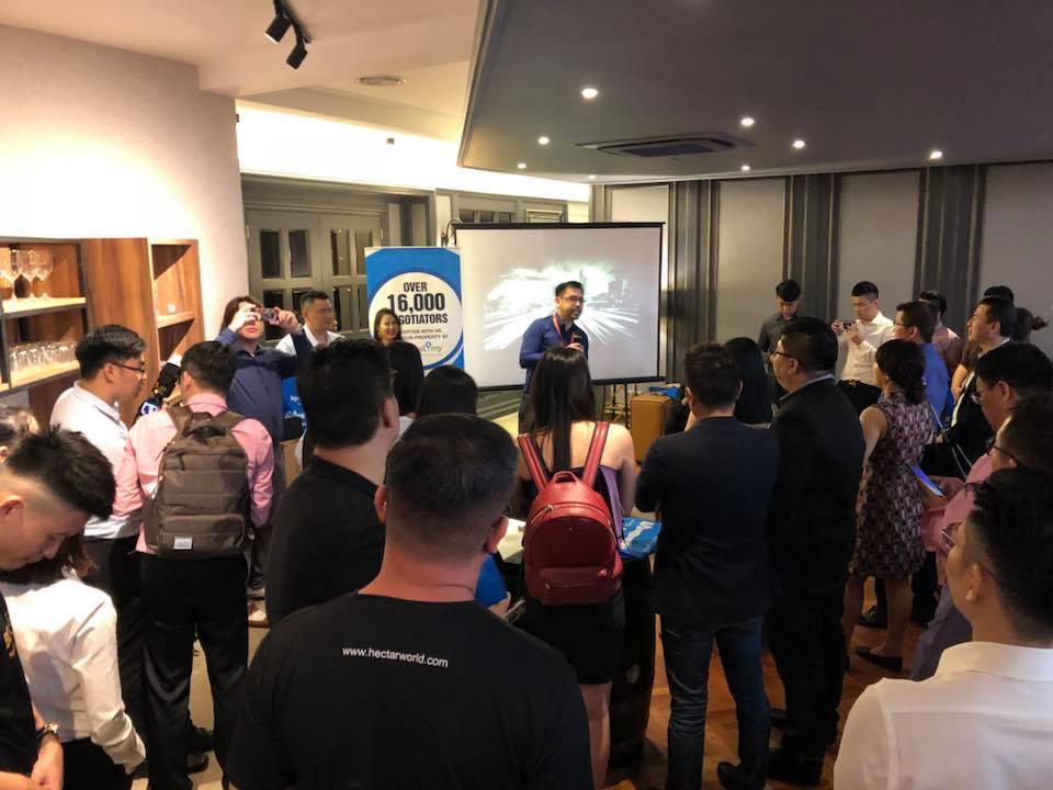 Propwall.my acting head of sales Kent Thew welcoming the property agents, negotiators and representatives of reputable agencies during the mingling night