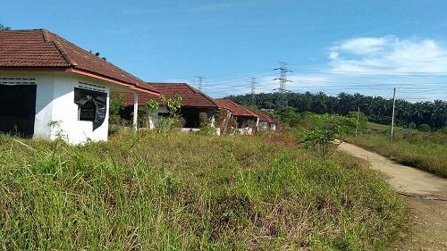 This housing project in Kampung Koskan Tambahan, Sungai Choh in Rawang has been abandoned for 17 years.