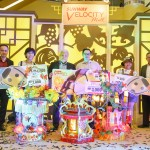 Top Prize Winners for Lantern Making Contest 2018 (from left Danny Lee, General Manager of Sunway Velocity Mall, Yap Yoke Keow, 1st Runner Up, Kevin Tan, COO of Sunway Malls, Chong Chit Keong, Grand Prize Winner, Cheah Sing Sing, 2nd Runner Up, KS Wong, Senior General Manager of Sunway Velocity Mall)