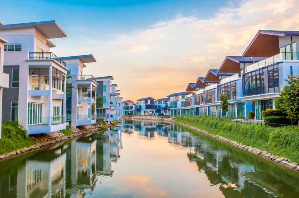 Johor_Senibong_Cove_water