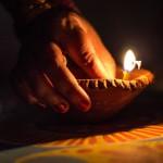 hand-light-bokeh-night-dark-celebration-842984-pxhere.com_cropped