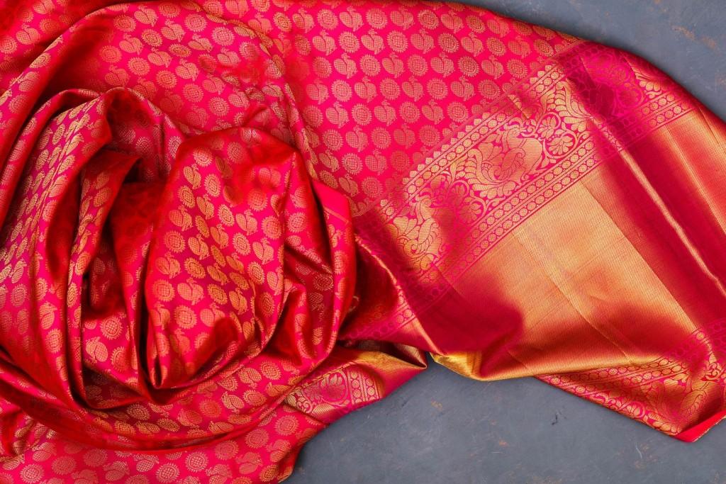 cloth-red-pink-close-up-textile-petal-1457173-pxhere.com