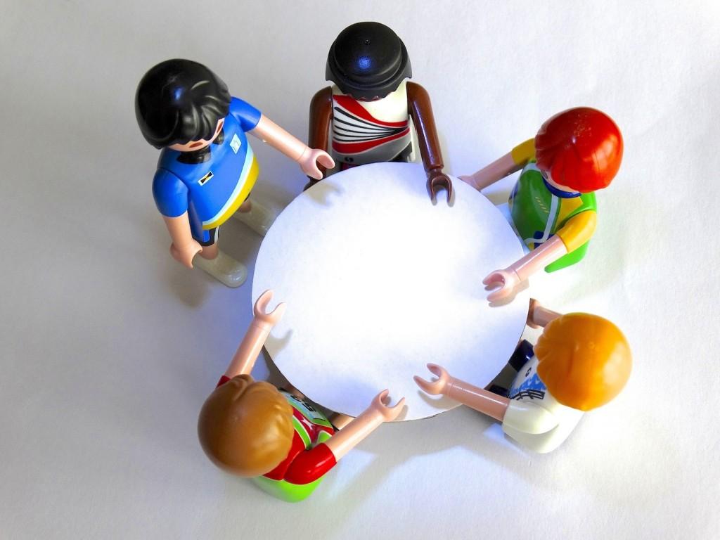 table-group-toy-conversation-talk-playmobil-935850-pxhere.com