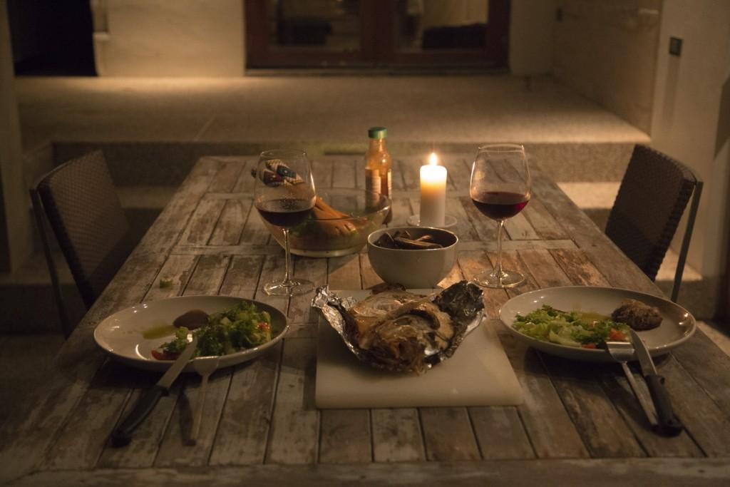 table-light-wood-wine-night-floor-1279192-pxhere.com