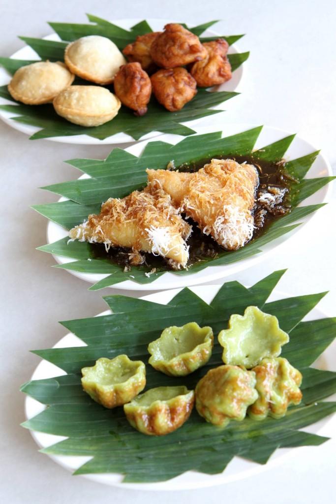 Hidangan pencuci mulut seperti Tembosa, kuih bakar, lopes dan cekodok pisang sentiasa mendapa permintaan dari pelanggan.