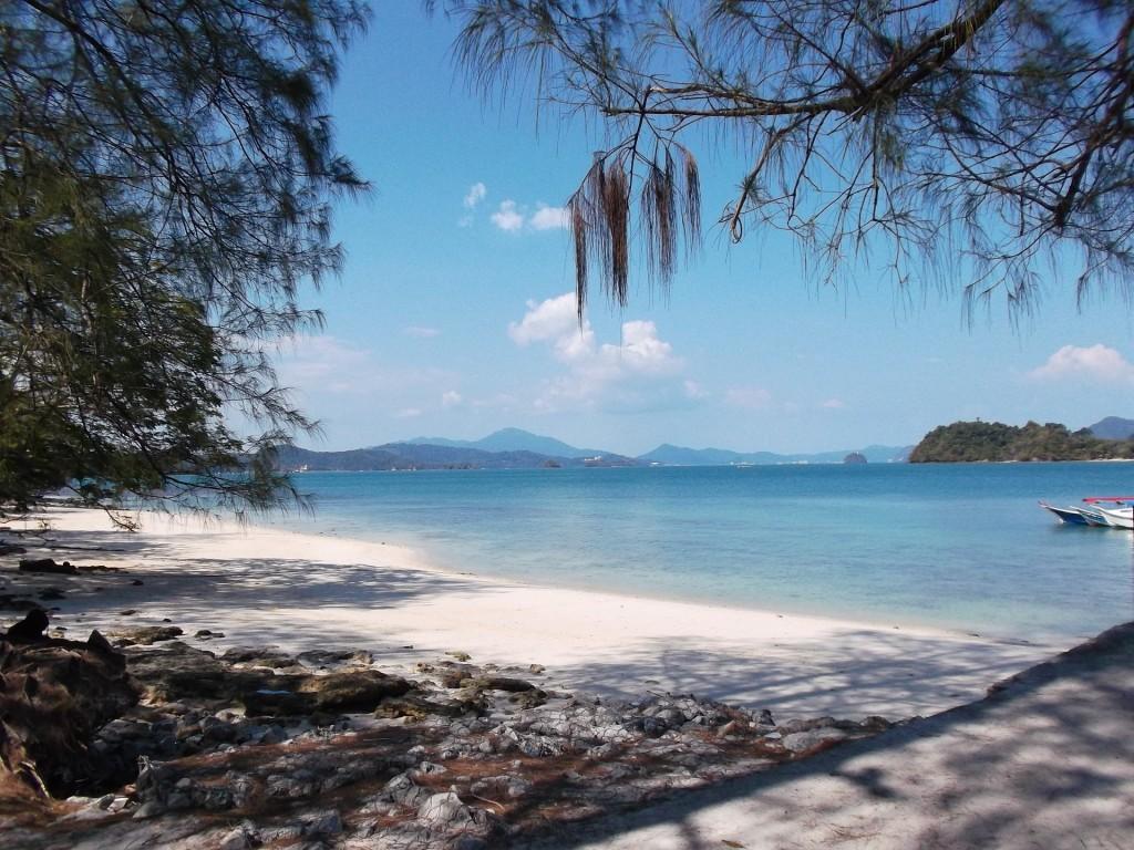 Langkawi_beach_Malaysia