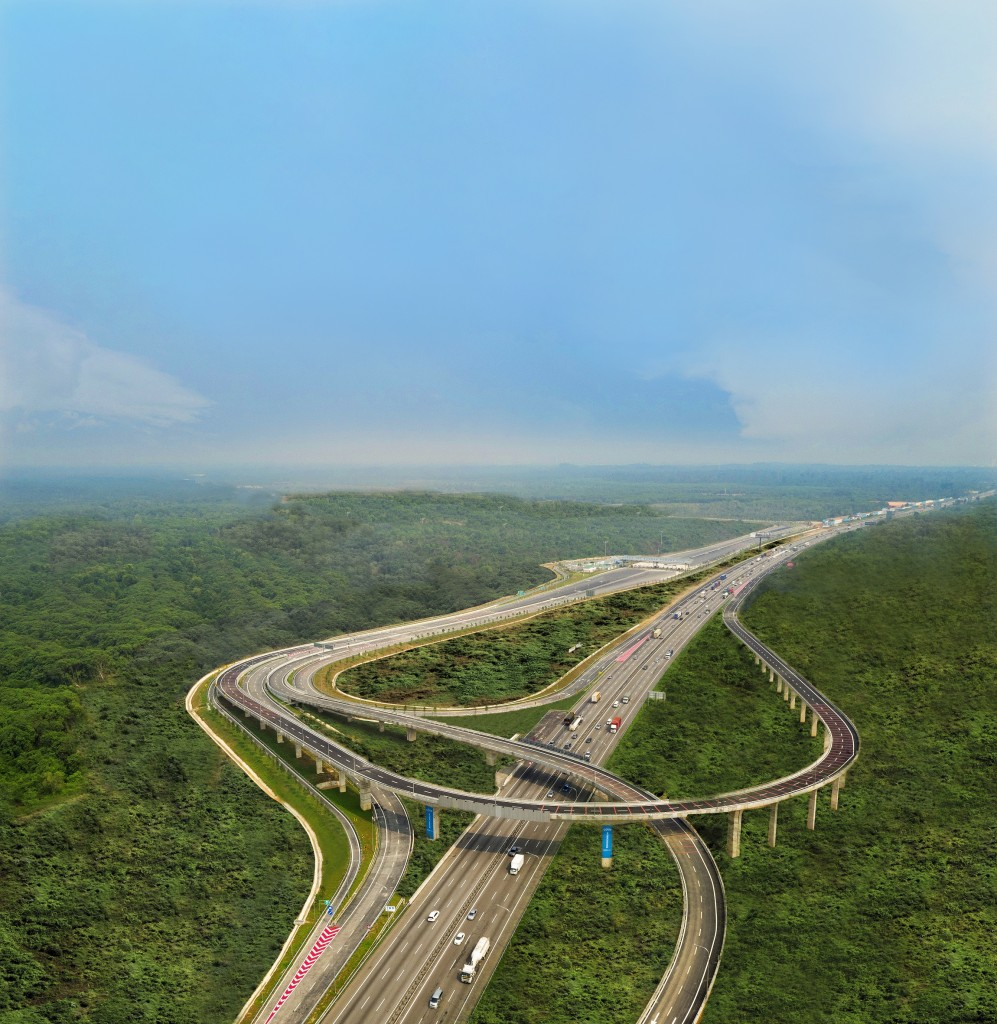 Aerial shot of the Gamuda Cove interchange.