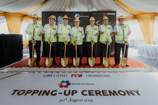 (From left) Setiakon Builder Sdn Bhd managing director Datuk Kuan Ah Hock, IJM Land Bhd managing director Edward Chong and CEO Datuk Soam Heng Choon, FCW Holdings Bhd chairman Tan Sri Robert Tan and executive director Datuk Anderson Thor, 368 Segambut director Foh Meng Wha and Setiakon Builder Sdn Bhd director Tan Tong Kwee.