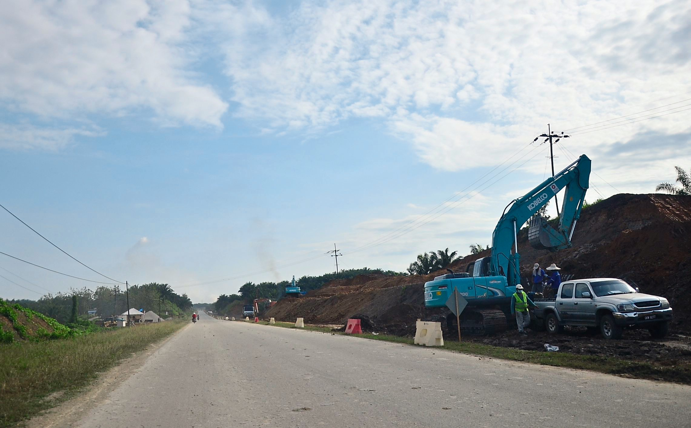 Upgrading of the Pan Borneo highway has begun as can be seen here along the Bintulu stretch in the northern Sawarak. Caption....long road. Upgrading of the Pan Borneo highway has began as can be seen here along the Bintulu stretch in northern Sarawak. Pic by SPDP Bintulu office.