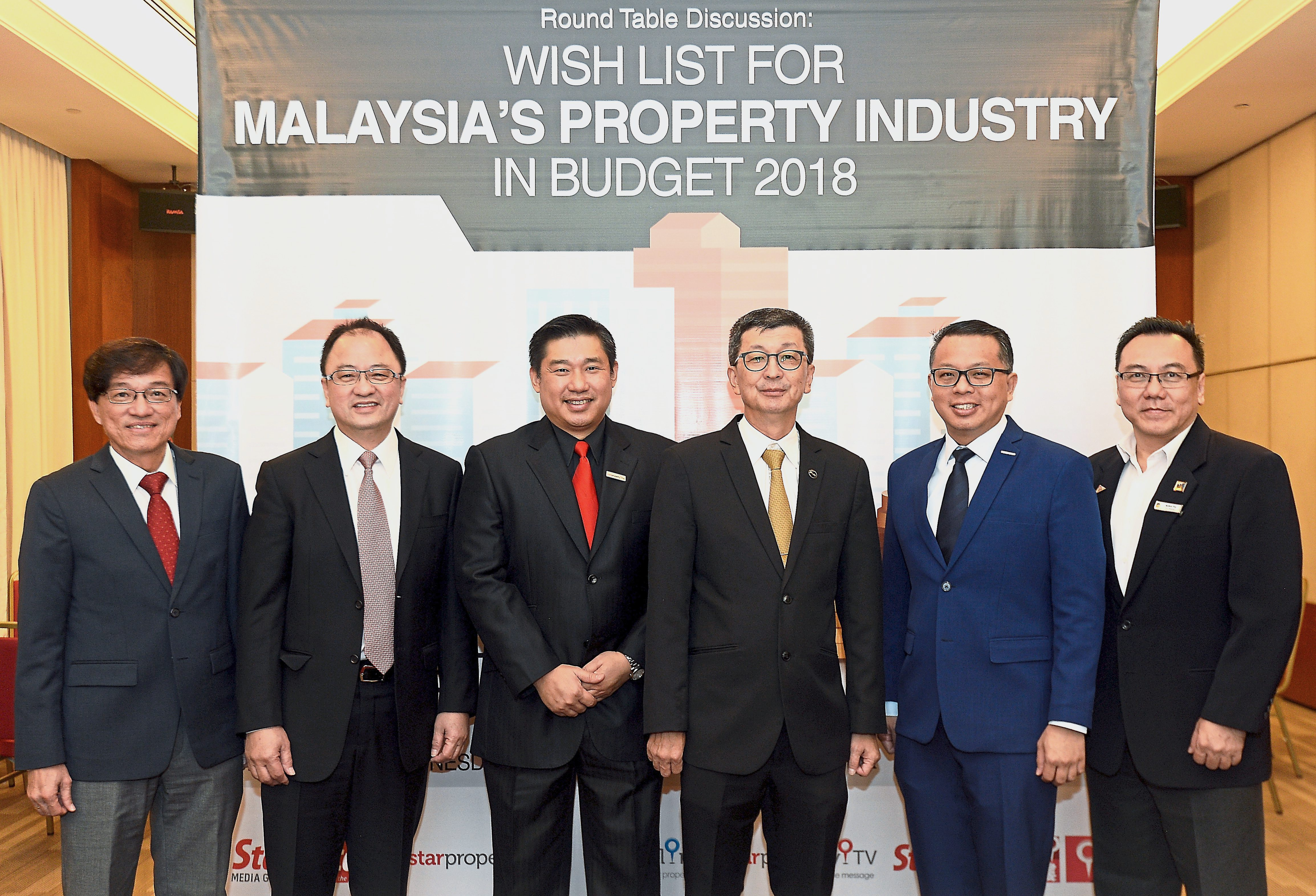 Budget 2018 roundtable. From left: Mah Sing Group Bhd chief executive officer Datuk Ho Hon Sang, JKG Land Bhd managing director Datuk Teh Kean Ming, StarProperty Sdn Bhd assistant general manager Ernest Towle, LBS Bina Group Bhd managing director Tan Sri Lim Hock San, IJM Land Bhd managing director Edward Chong and Malaysian Institute of Estate Agents (MIEA) vice president Kelvin Yip.