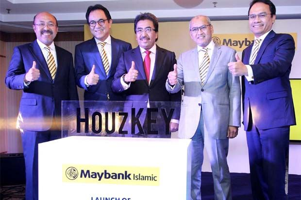 Key to home ownership: (from left) Maybank Islamic CEO Datuk Mohamed Rafique Merican, Maybank group president & CEO Datuk Farid Alias, Second Finance Minister Datuk Seri Johari Abdul Ghani, Maybank Islamic chairman Zainal Abidin Jamal and Maybank Group head of global banking Datuk Muzaffar Hisham at the launch of Maybank Islamic's rent-to-own housing scheme.