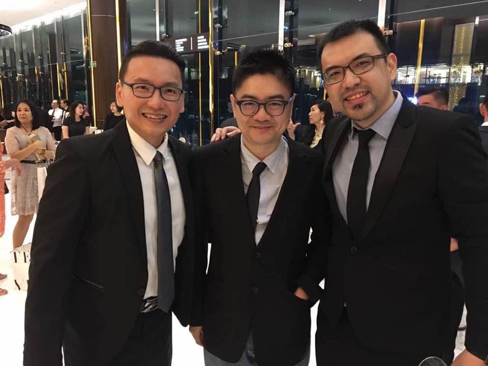 RentGuard创始人黄治诚(左起)、陈鹏天积极向地产中介推广其公司研制的作业平台。右为本地著名二手房搜寻网站Propwall负责人张邦俊。