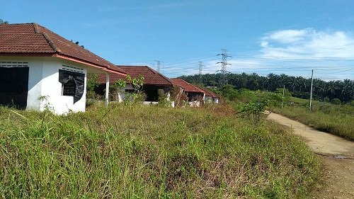This housing project in Kampung Koskan Tambahan, Sungai Choh in Rawang has been abandoned for 17 years.
