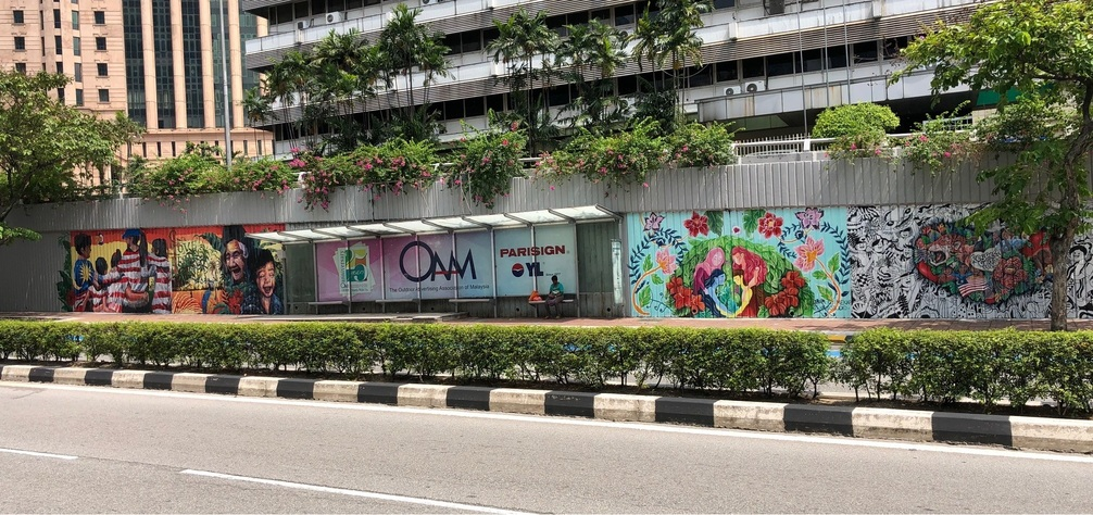 Embracing the values of Love, Respect and Unity, the creative murals has brightened up the walls across Jalan Raja Chulan, making it livelier and friendlier to all Malaysians.