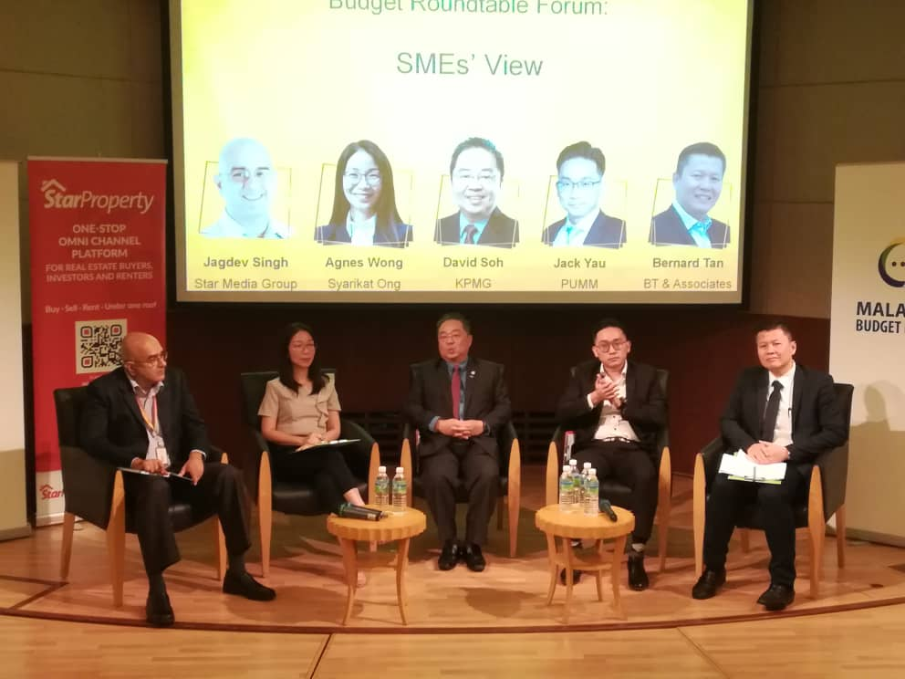 (From left) Star Media Group business editor Jagdev Singh, Syarikat Ong managing partner Agnes Wong, Soh, Yau and Tan answering questions at the forum.