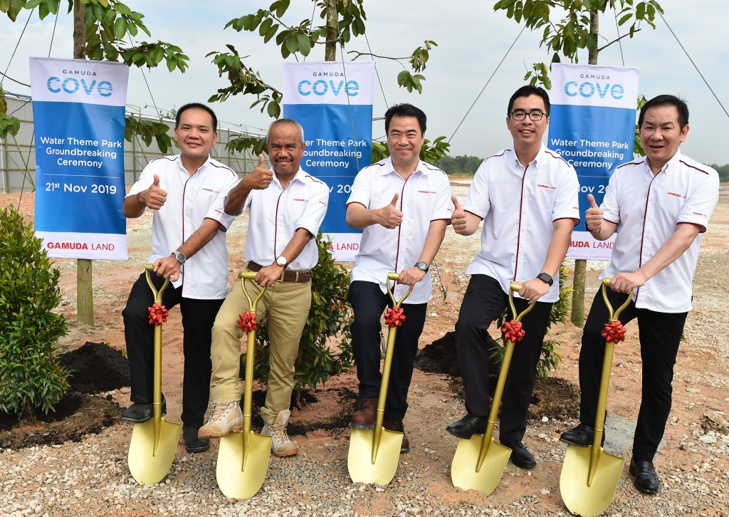 (from left) Wong, Sahak, Ngan, Aw and Soo during the groundbreaking of the new rainforest theme park in Gamuda Cove.