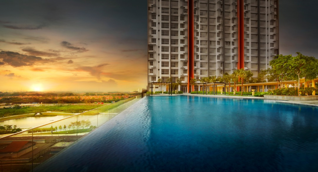 Residents will be able to choose which infinity pool to use once the other two towers are completed as they can share each other's facilities, which includes game room, gymnasium, jacuzzi, jogging track, multi-purpose hall, convenience store, playground and Surau.