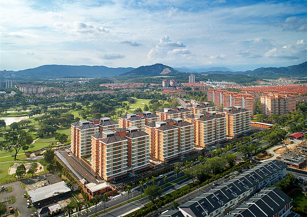 A joint venture between SHL and Marubeni Corporation, Sg Long Residence spans nine acres of freehold land with a total of 568 residential units.