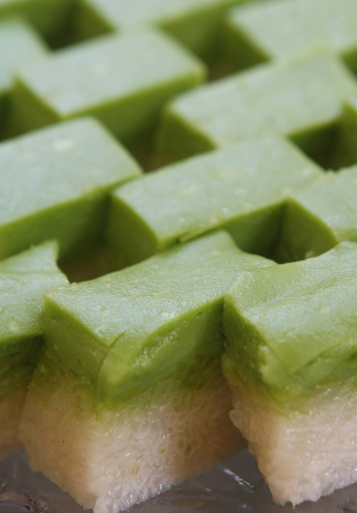 Kuih Seri Muka is a local favourite with a pulut rice base layer and custard-like top layer.