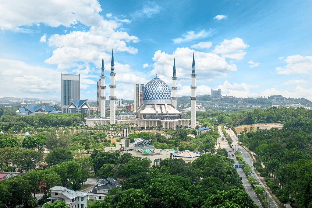 The Sultan Salahuddin Abdul Aziz Shah Mosque in Shah Alam is the biggest mosque in the country and second-largest in Southeast Asia.