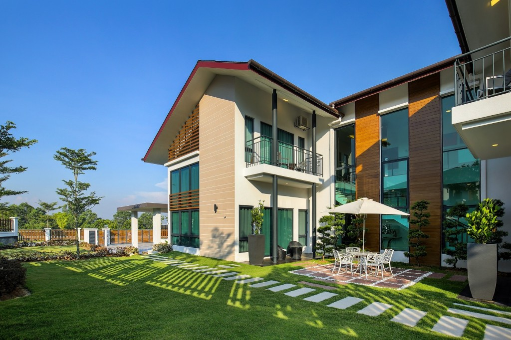 Amber takes multigenerational living to the next level with its elderly-friendly design and inclusive layouts.