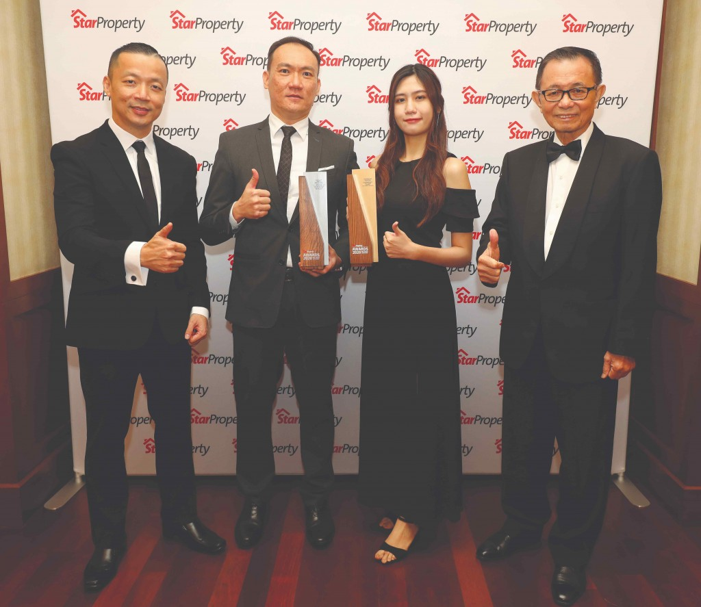 (From left) Yap, Platinum Victory branding and marketing senior manager Vincent Seow and branding and marketing executive Yuki Yee as well as Fu give the thumbs up.