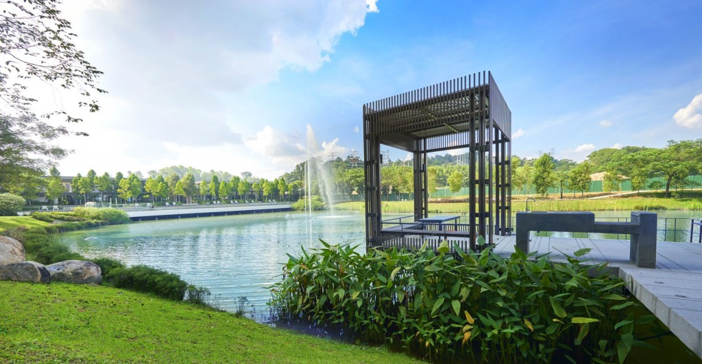 Emerald Hills is a low-density residential development that sits amid hilly greens with a calming 2.3-acre central lake at its heart.