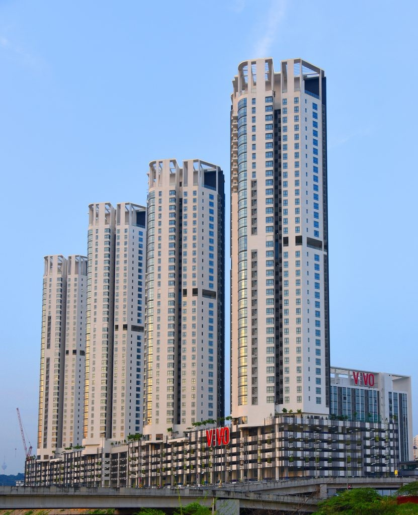 VIVO Residences hosts various facilities, such as an expansive central park, six sky lounges and sky gardens.